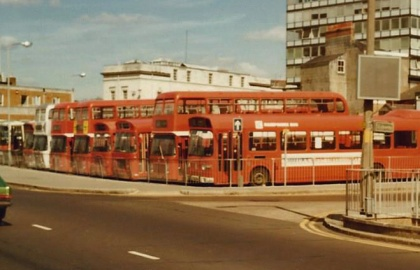 When I repeated this trip in 1983, Hants And Dorset had been split into three companies by the NBC, the Southampton and Winchester section now renamed Hampshire Bus. A line of Bristol VRs and Leyland Nationals occupy the parking area at Southampton Bus Station.